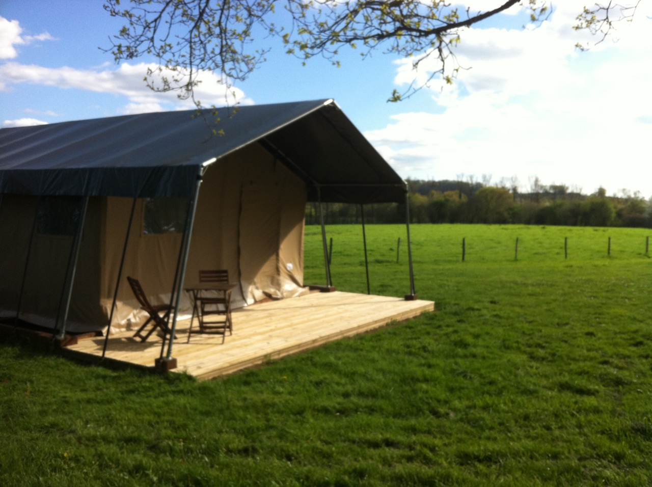 Salle De Bain Petit Espace Couloir ~ Limousin Farm Holidays H Bergement De Luxe Dans Les Tentes Safari